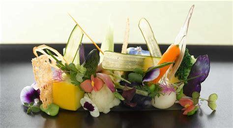 cuisiner avec des fleurs fleurs comestibles comment cuisinier et préparer les