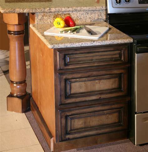Pecan Maple Glaze Kitchen Cabinets, Rustic Finish  Sample
