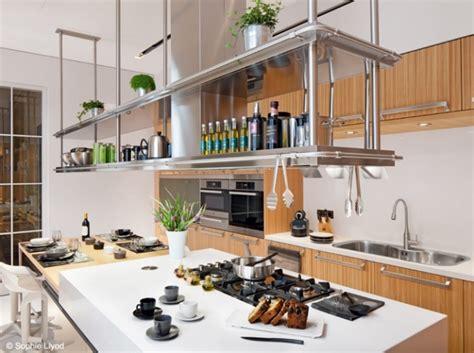 cuisine amenagee hotte étagères amenagee equipement cuisine hotte