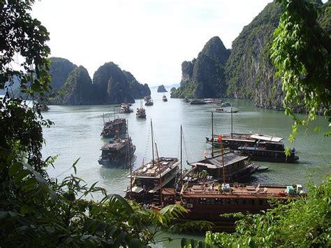 inspiring majestic bay photo شاهد خليج هالونج في فيتنام احدى أجمل بقاع العالم على الإطلاق