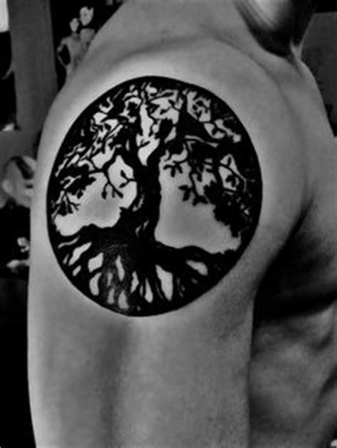 Die 27 besten Bilder von Yggdrasil Tattoo | Baum des lebens tattoos, Keltische tätowierungen und