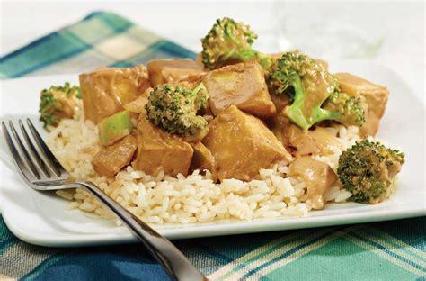 comment cuisiner le tofu sauté tofu arachide et brocoli recette fondation olo
