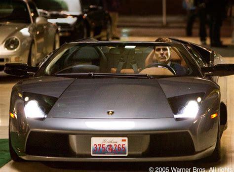 Vestido De Armani, El Actor Christian Bale Conduce Un