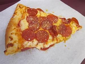 File:Fat Slice pepperoni pizza slice.JPG - Wikimedia Commons