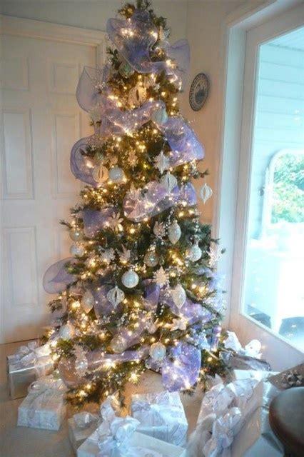 exciting silver  white christmas tree decor ideas