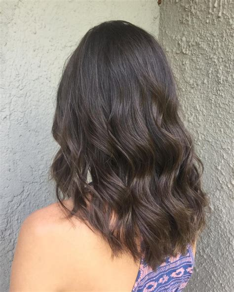 medium wavy layered hair www pixshark images