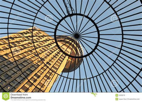 tetto a cupola tetto di vetro a cupola dell entrata all edificio di