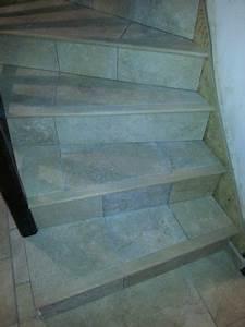 Avec Quoi Recouvrir Un Escalier En Carrelage : poser un carrelage sur un escalier en b ton partie 1 2 reussir ses travaux ~ Melissatoandfro.com Idées de Décoration