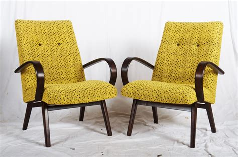 Mid-century Czech Armchairs, 1960s, Set Of 2 For Sale At