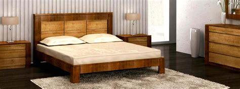 set de chambre bois massif set de chambre bois massif maison design modanes com