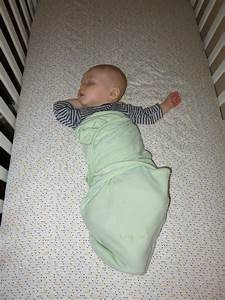 How to Dress your Baby to Improve their Sleep