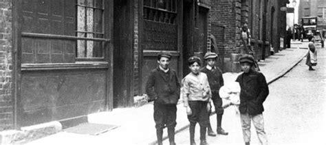 Saffron Hill, Clerkenwell, London | Historical london ...