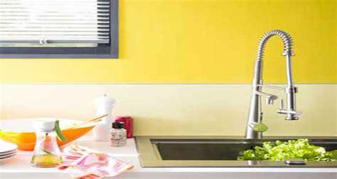 peinture cuisine jaune une couleur jaune pour une déco pétillante