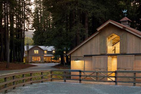 barn like homes houses that look like barns exterior farmhouse with barn board and batten beeyoutifullife com