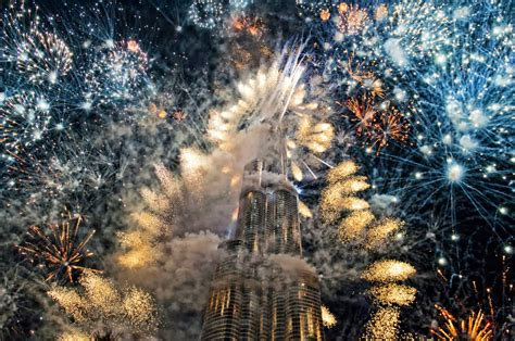 fireworks explode  specific shapes howstuffworks