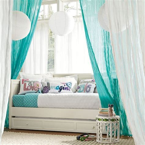 wonderful girls daybed  trundle  beautiful curtains