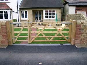 GATES FENCING