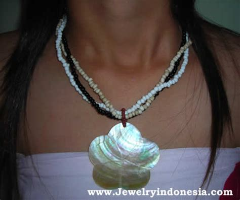 pearl and pendant necklace bali shell necklaces wholesale