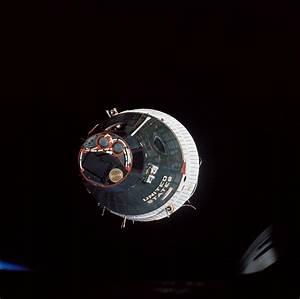File:Gemini 6 and Gemini 7 rendezvous - GPN-2006-000034 ...