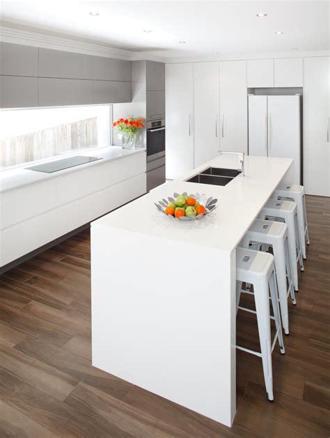 modern sleek kitchen design sleek modern kitchen completehome 7769