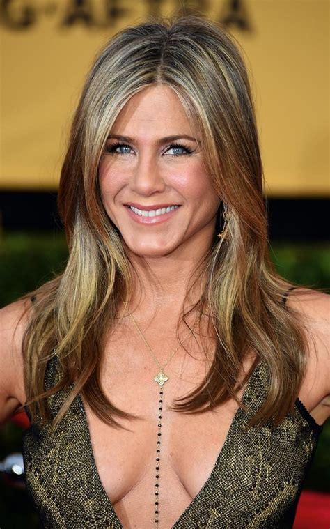 Jennifer Aniston Shares Her Beauty Secrets And Hair Traumas