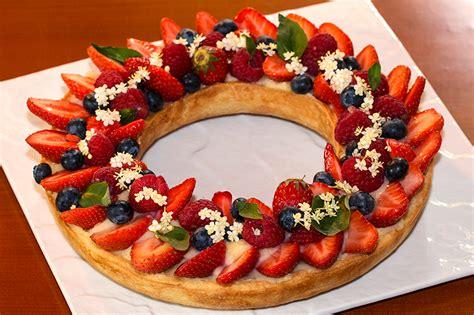 veau cuisine tarte couronne aux fruits rouges à la crème au basilic