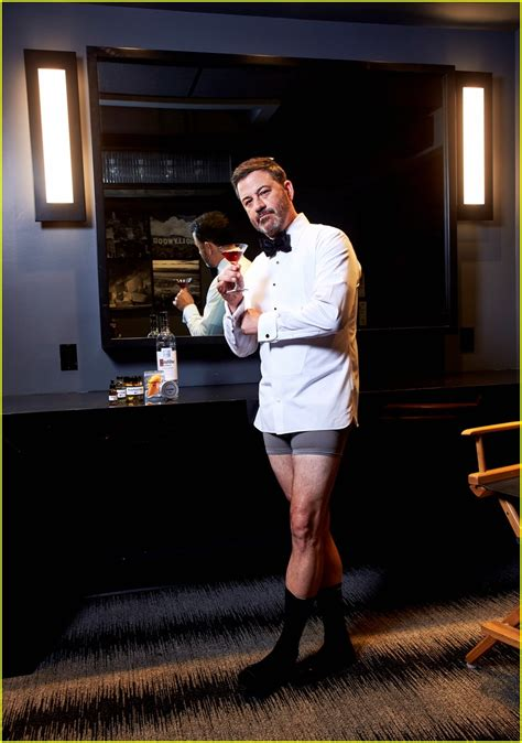 jimmy kimmel prepares  emmys    boxers photo