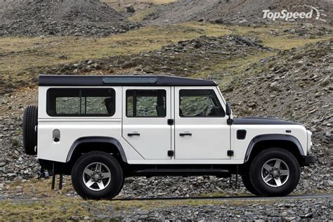 jeep defender 2016 land rover defender sexiest truck ever offroad