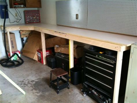 cheap  easy garage workbench