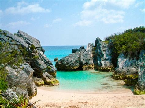 Jobsons Cove Beautiful Secluded Beach In Bermuda