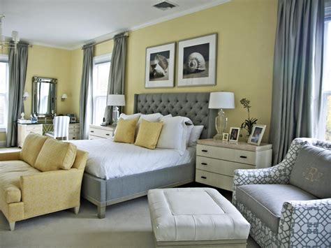 Bedroom Decorating Ideas Yellow Paint by 15 Cheery Yellow Bedrooms Bedrooms Bedroom Decorating