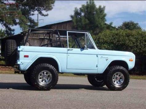 jeep bronco white dream car blue ford bronco lets ride pinterest