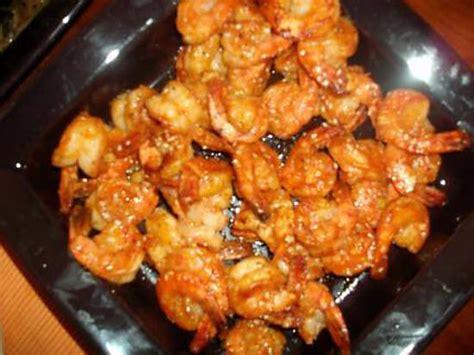 cuisiner les crevettes recette de crevettes sauce piquante par cissi