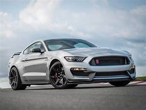 2020 Ford Mustang Shelby GT350 & GT350R arrives with GT500 parts | Drive Arabia
