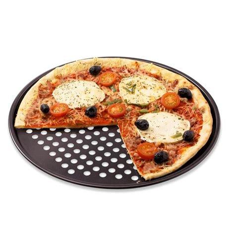moule de cuisine moule a pizza perforé table de cuisine