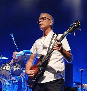 Revisiting a Classic: Tony Visconti Talks about Taking ...