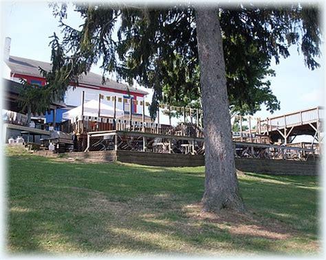 Deck Portage Lakes Akron Ohio by Deck Bar Grill Portage Lakes Restaurant Akron Oh