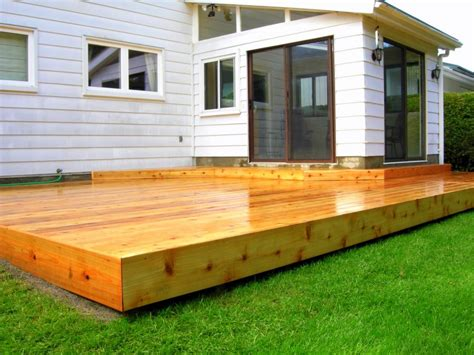 small deck designs edge flat to ground at end platform deck modernshed big ideas small spaces 1000x750 decking