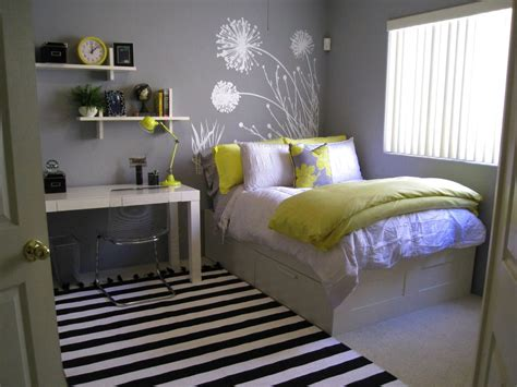 bedroom ideas for small rooms rug