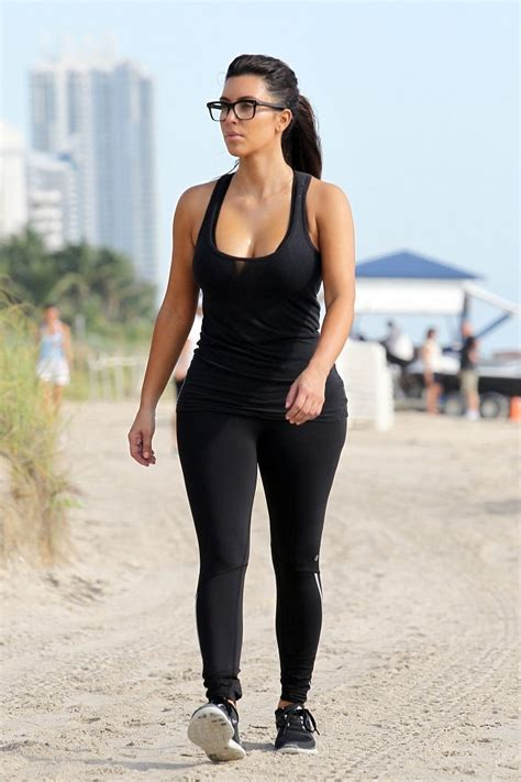 All black workout outfit | Workout clothes | Pinterest | Kim kardashian Curves and Workout outfits
