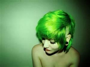 bangs dye girl green hair image on Favim