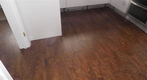 kitchen floor tiles wood effect karndean wood effect vinyl flooring and carpet fitters in 8091