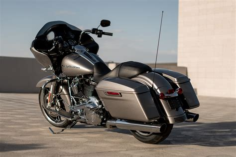New 2017 Harley-davidson Road Glide® Motorcycles In