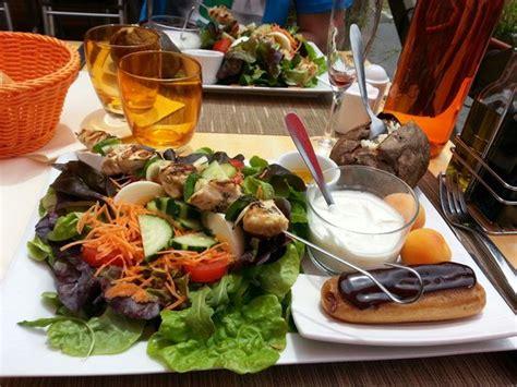 assiette entr 233 e plat dessert photo de la cipollina