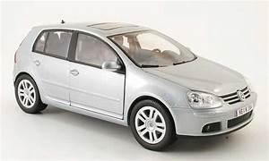 Volkswagen Golf 5 Kaufen : volkswagen golf v grau 2003 5 portes burago modellauto 1 ~ Kayakingforconservation.com Haus und Dekorationen