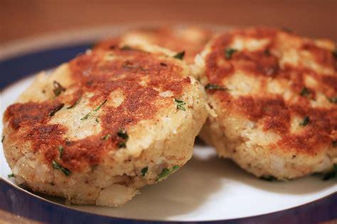 codfish cakes cod fish cakes recipe simplyrecipes com