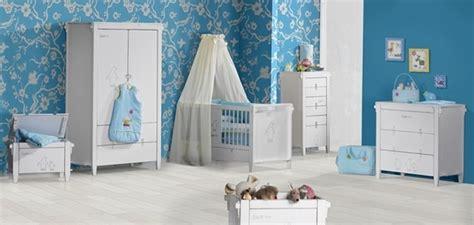 lumiere chambre bébé chambre bébé des idées pour bien décorer l 39 environnement