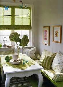 ideas for small dining rooms 10 tips for small dining rooms 28 pics decoholic