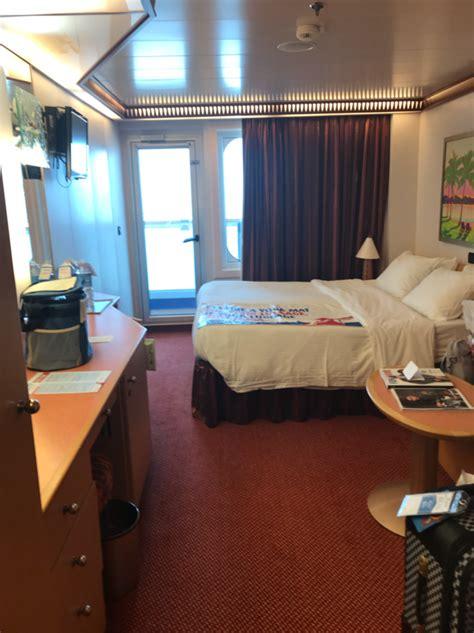 balcony stateroom cabin category  carnival dream