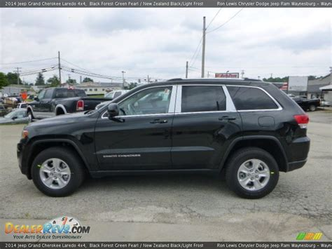 green jeep cherokee 2014 2014 jeep grand cherokee laredo 4x4 black forest green